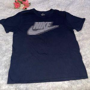 The Nike Tee men's size XL
